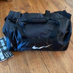 NIKE   Gym/Travel/Duffel Bag   Dual Straps